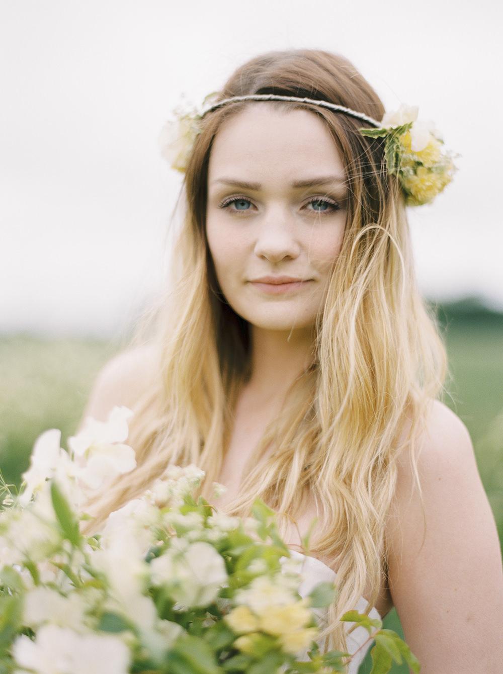 Windswept Florals - ROCK MY WEDDING   UK WEDDING BLOG