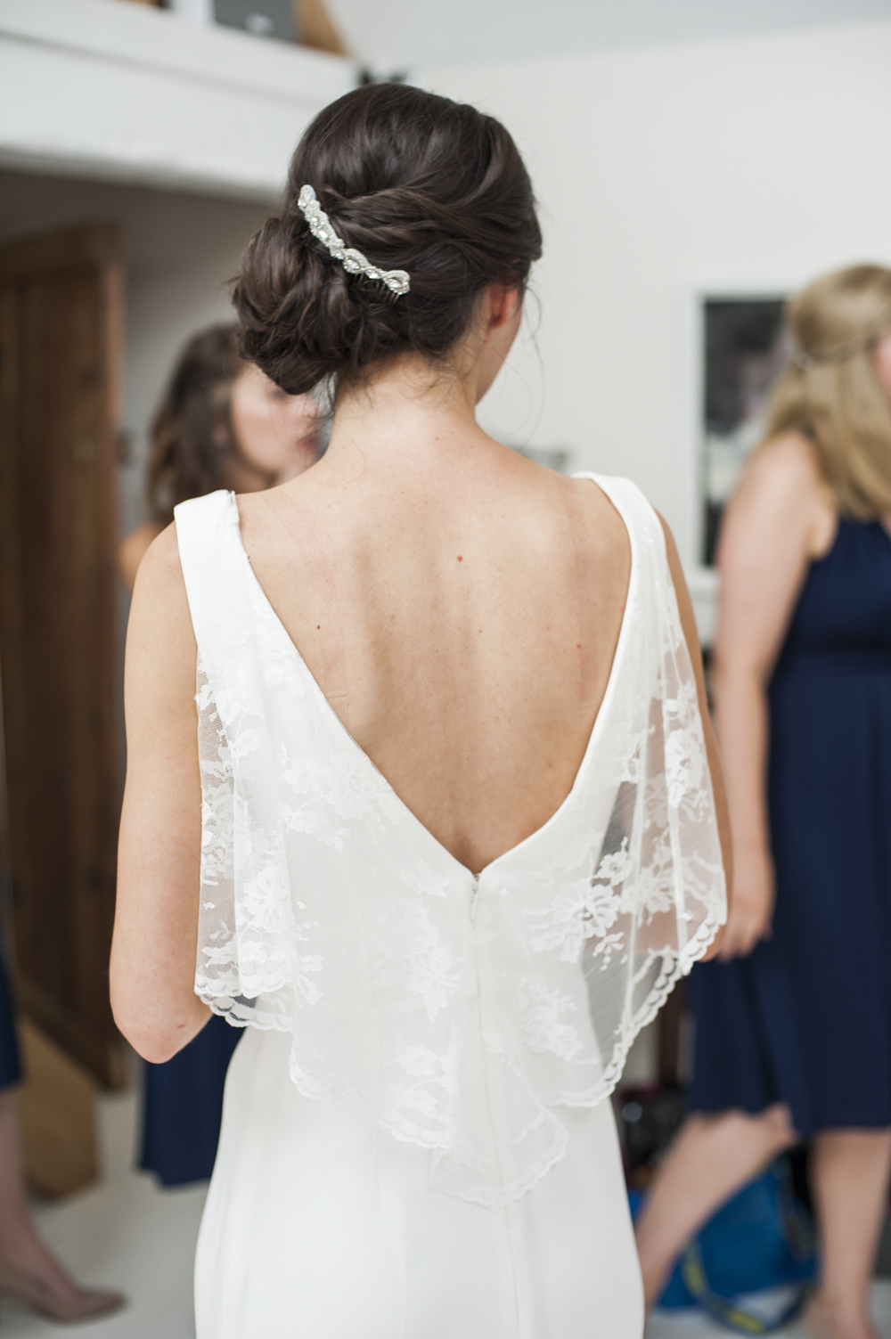 Low Back Wedding Dress With Veil : Bride in a lara hannah low back wedding dress joyce