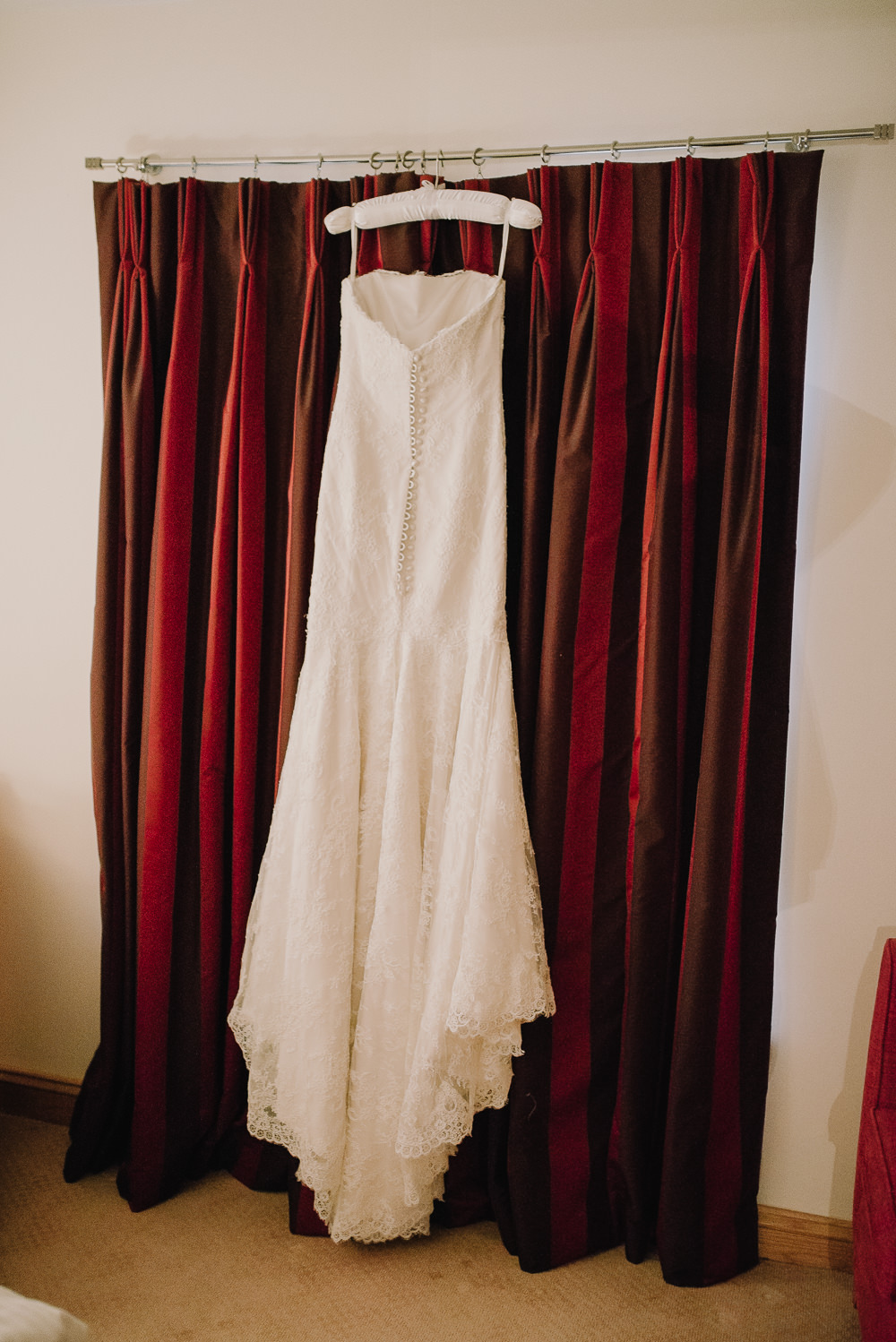 Vintage Wedding Dresses Peterborough : Suzanne neville lace antonia wedding dress and jenny