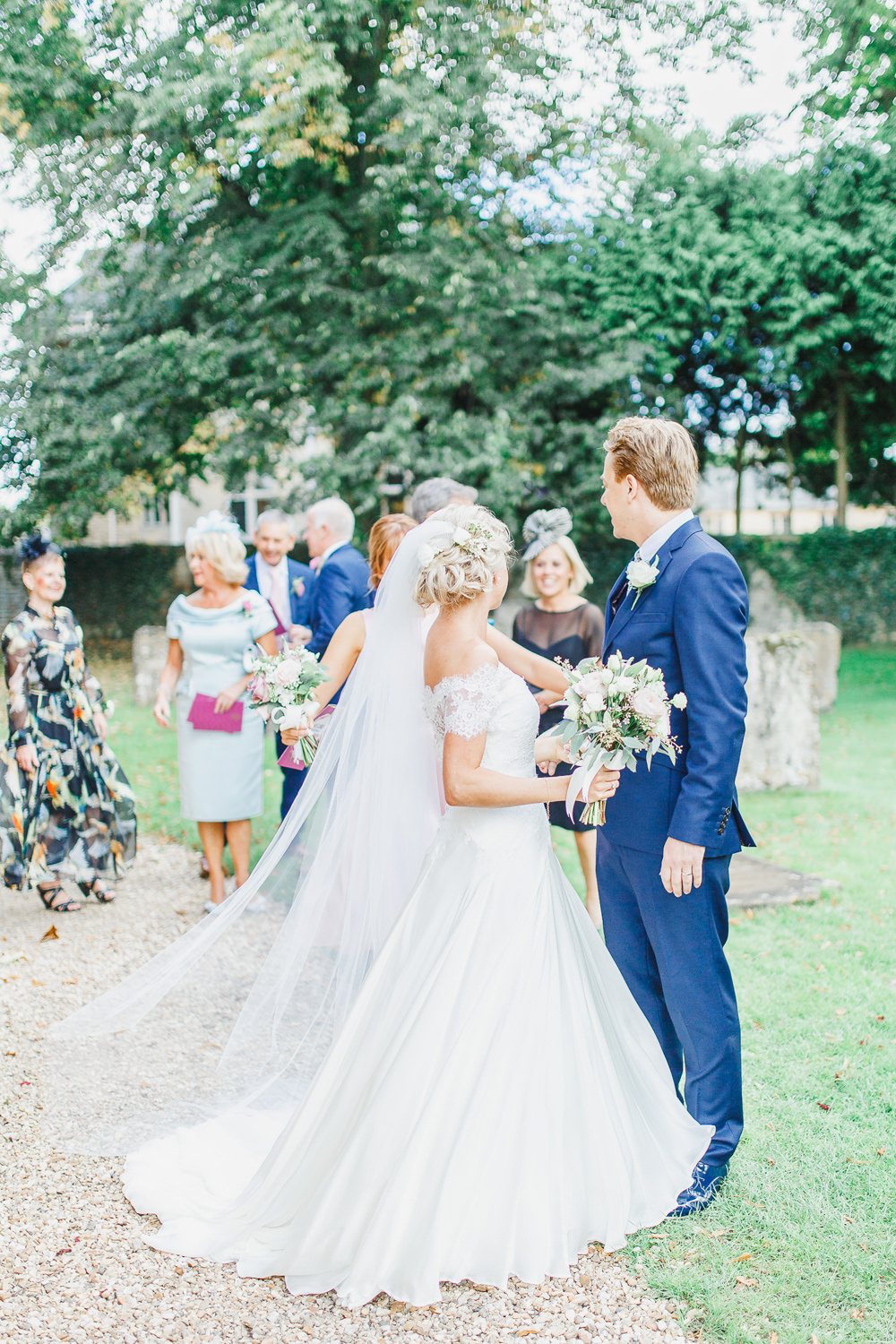 Pastel Wedding At Hyde House Cotswolds With Naomi Neoh
