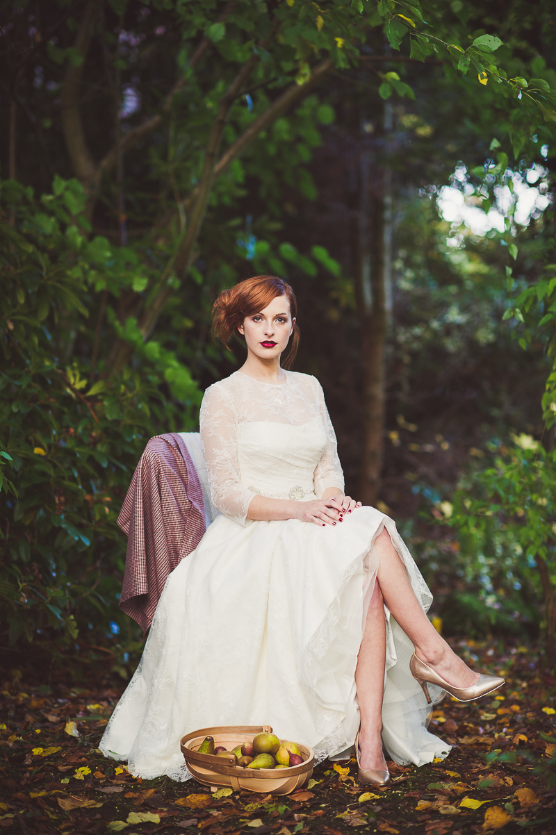 Autumn Fall Inspired Wedding Decor and Fashion Editorial by Rock My Wedding