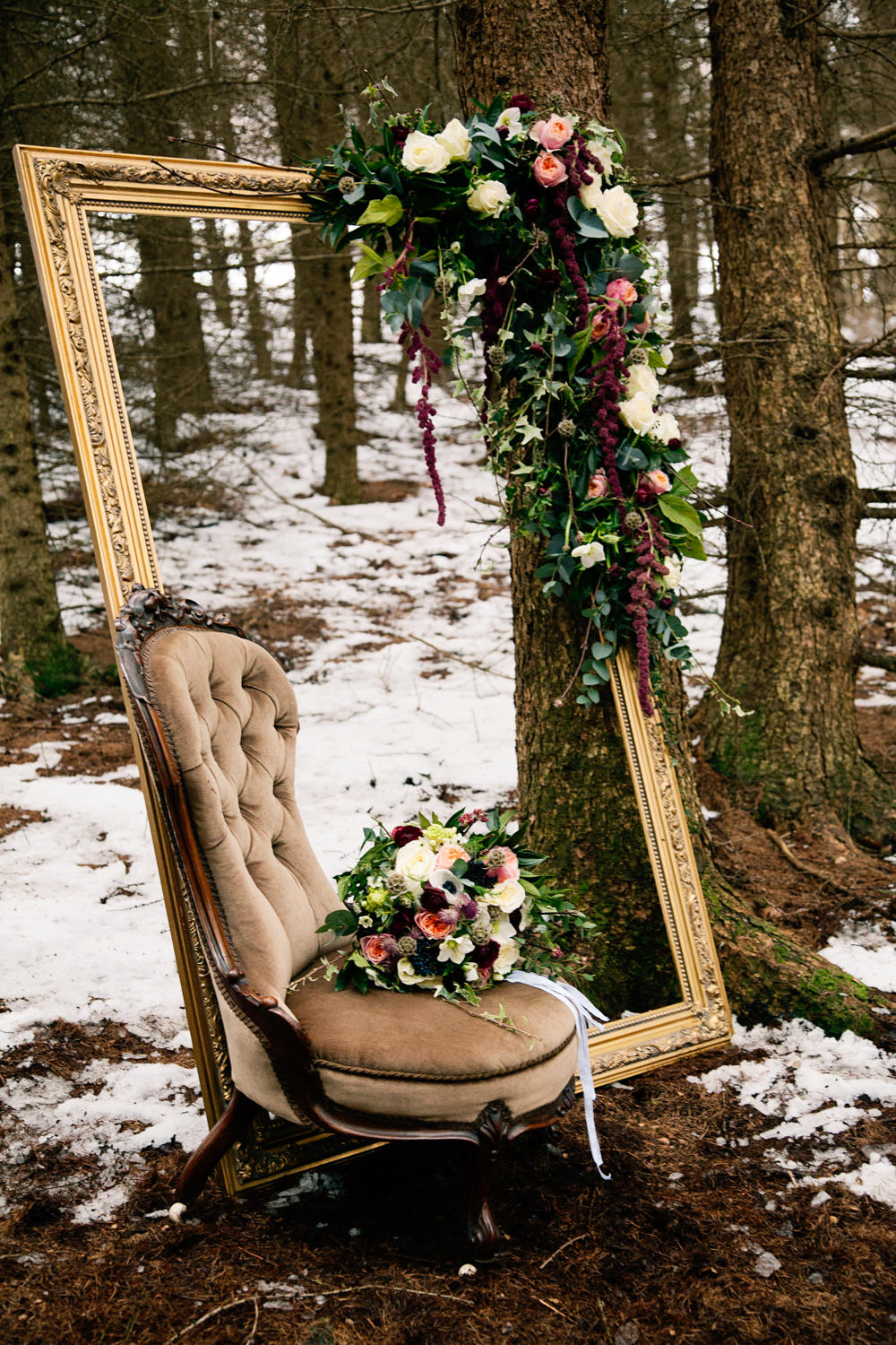 Flowers amp Frames In Your Wedding Decorations