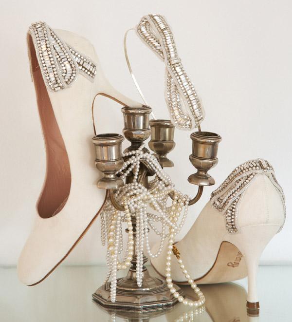 أحذيه الزفاف لساندريلات الجميلات