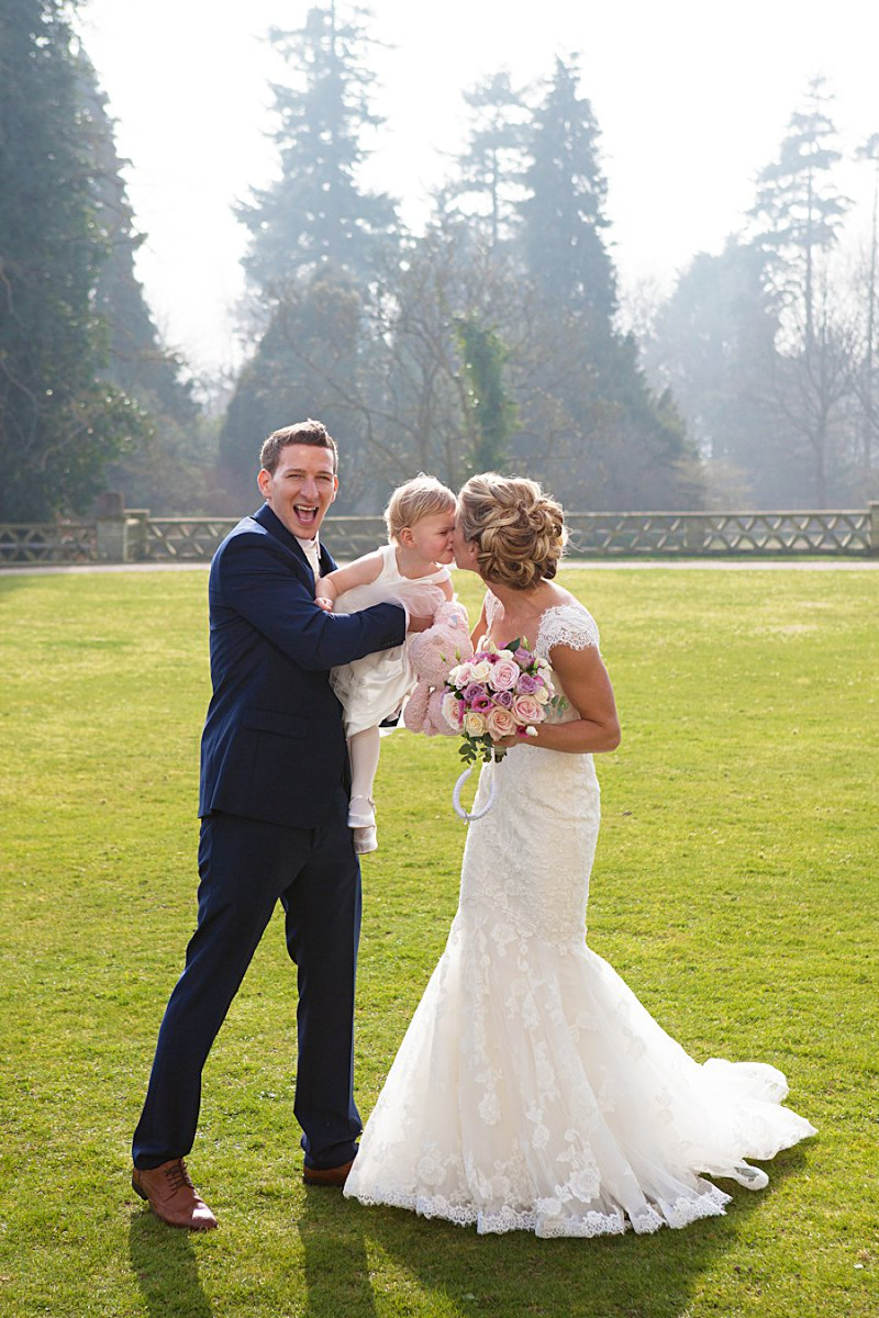 A relaxed and stylish wedding at Buxted Park with pastel palette colour scheme fishtail wedding dress by Benjamin Roberts and groom suit by Reiss and wedding photography by  AnnaMarie Stepney_0008