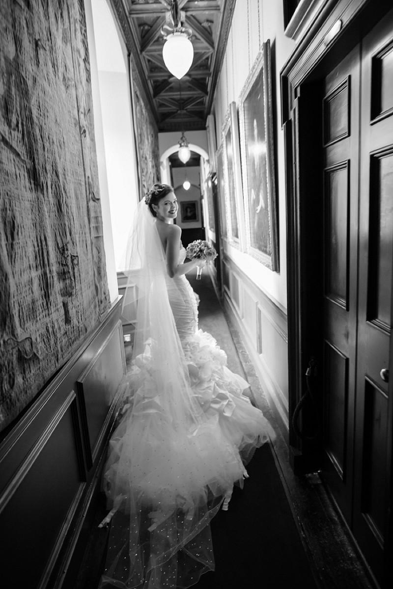 A super glamorous spring scottish wedding at fyvie castle for Eva my lady wedding dress
