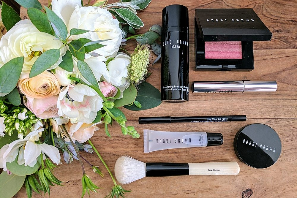 Making Your Own Wedding Makeup : Will You Be Doing Your Own Wedding Make Up? Rock My ...