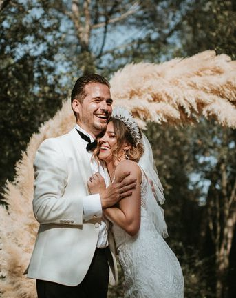 Feather Headdress & Pampas Grass Moon Gate For Spanish Wedding