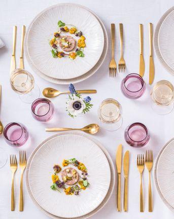 Wedding caterer tablescape
