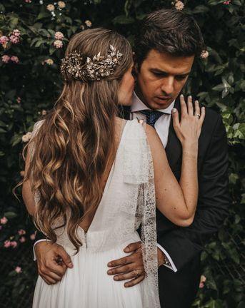 Golden Jungle Wedding with Bride in Golden Headdress and Smoke Bomb Portraits at Masia Riba Barcelona, shot by Serafin Castillo