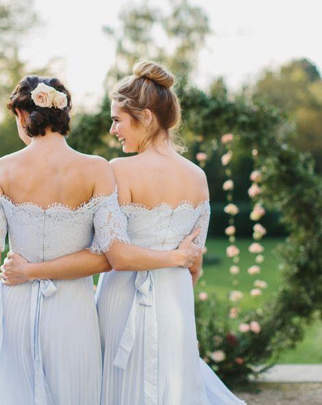 Bridesmaids wearing Coast dresses   What makes a good bridesmaid?