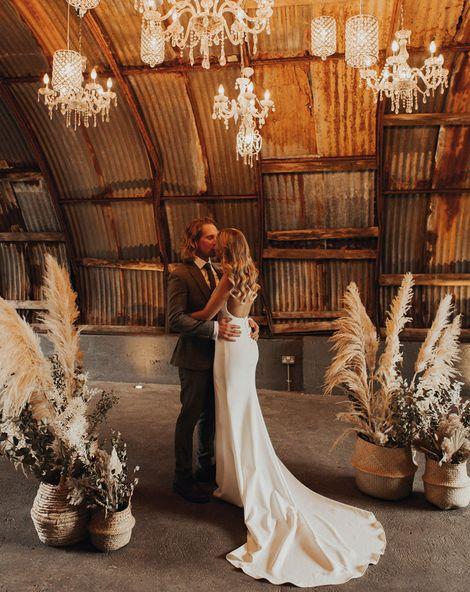 anran devon wedding with chandeliers