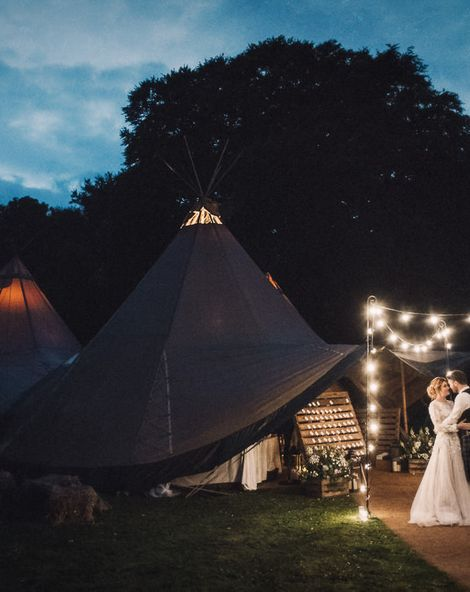 How To Have A Cosy Tipi Or Tent Wedding In Winter