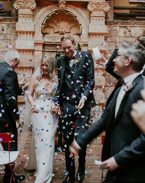 Budapest Wedding with Giant Bridal Bouquet, Tuk Tuks and Cadillac, with Bride in Lila Gown by Alexandra Grecco, shot by Jágity Fanni Fotográfus