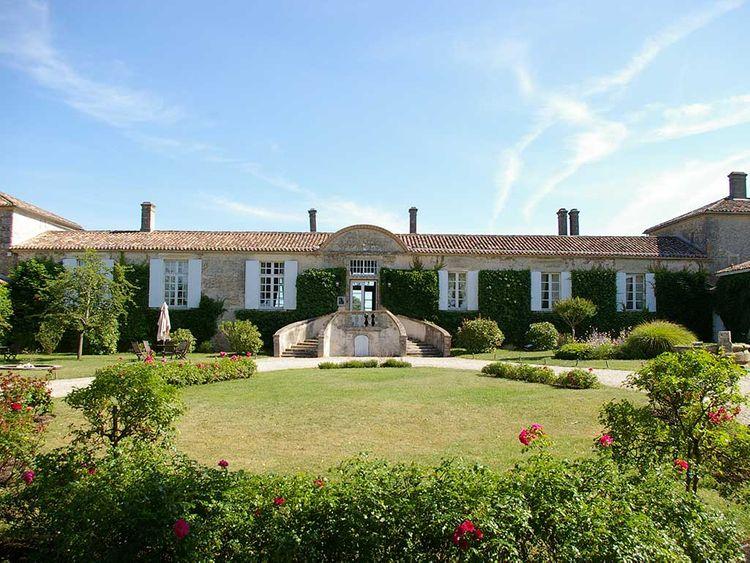 dkm luxury rentals chateau 0007 wedding venue france