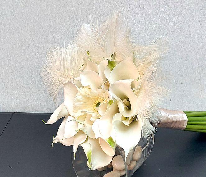 florals of splendour calla lilies bridal bouquet 2