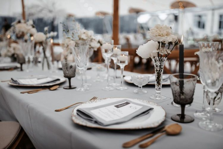 wonderful events monochrome tablescape
