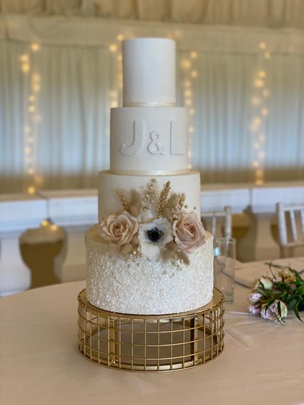 deliciously divine cake design img 3547