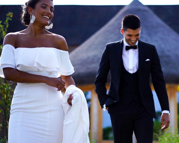 capture weddings c0001.00 07 17 12.still063