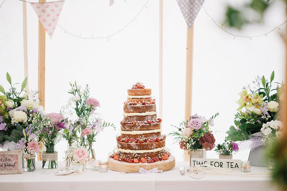 10 ways to have a beautiful budget wedding rock my wedding uk homemade wedding cake table junglespirit Choice Image