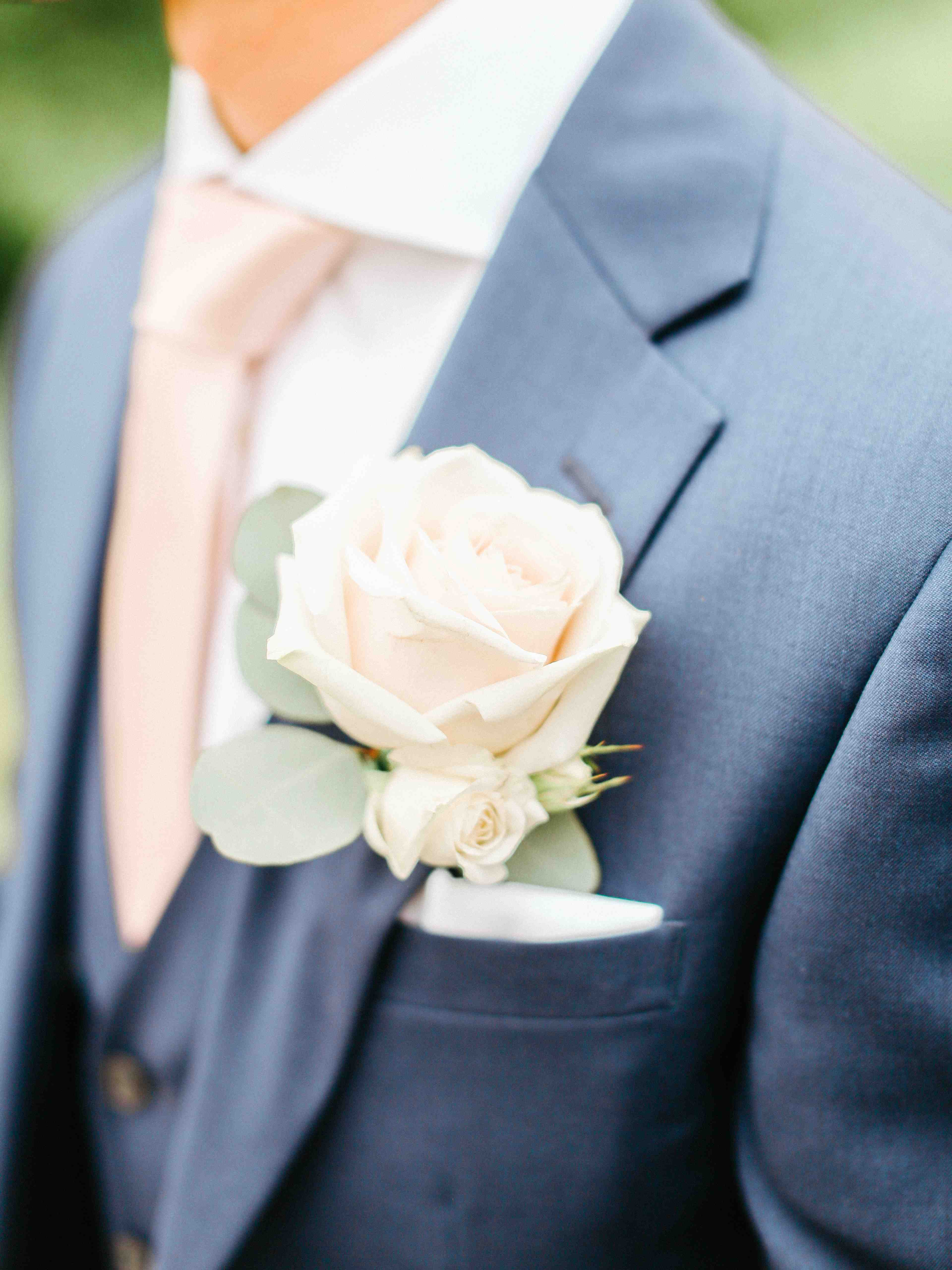 Spring Silchester House Wedding with Blush, White & Gold Colour Scheme