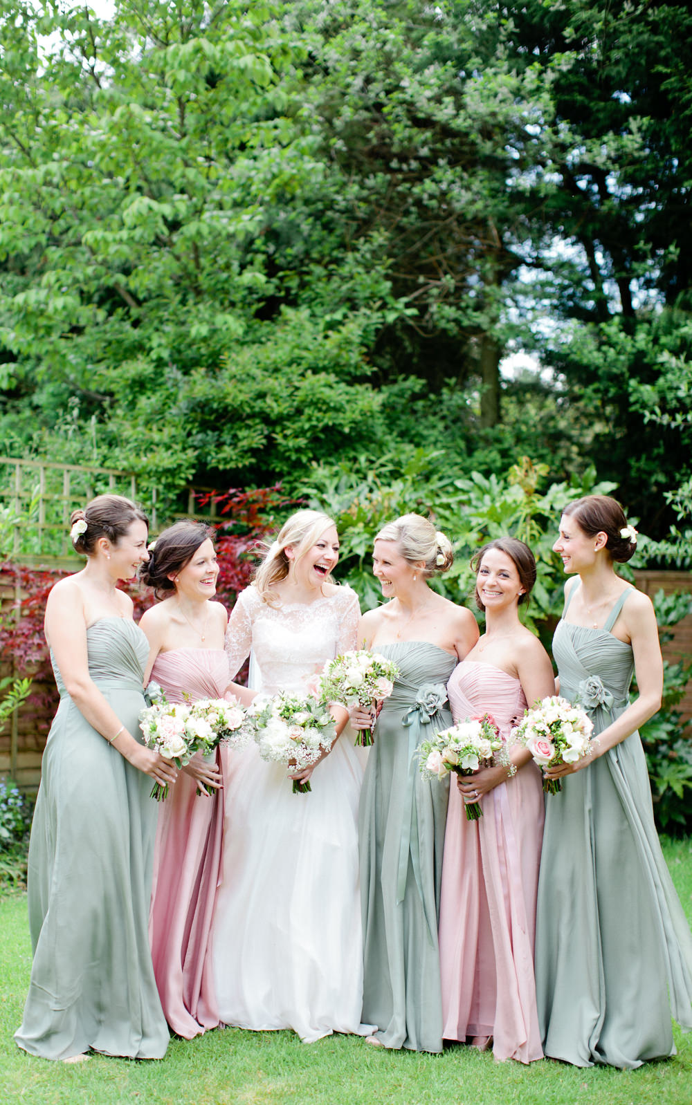 Classic marque wedding at burcombe manor with pastel pink thyme image by a ombrellifo Images
