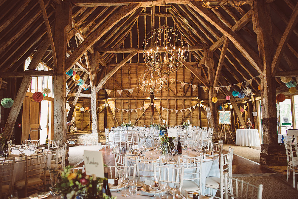 Ode S Barn Kent For A Rustic Wedding With Naomi Neoh Marie