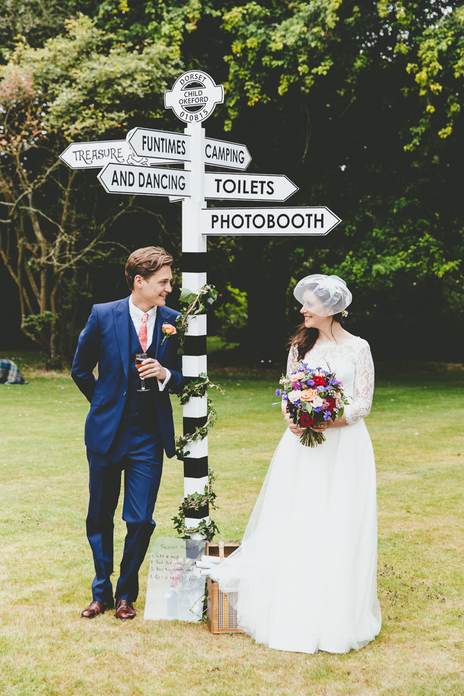 Stylish helpful signage for your wedding day rock my wedding directions junglespirit Image collections
