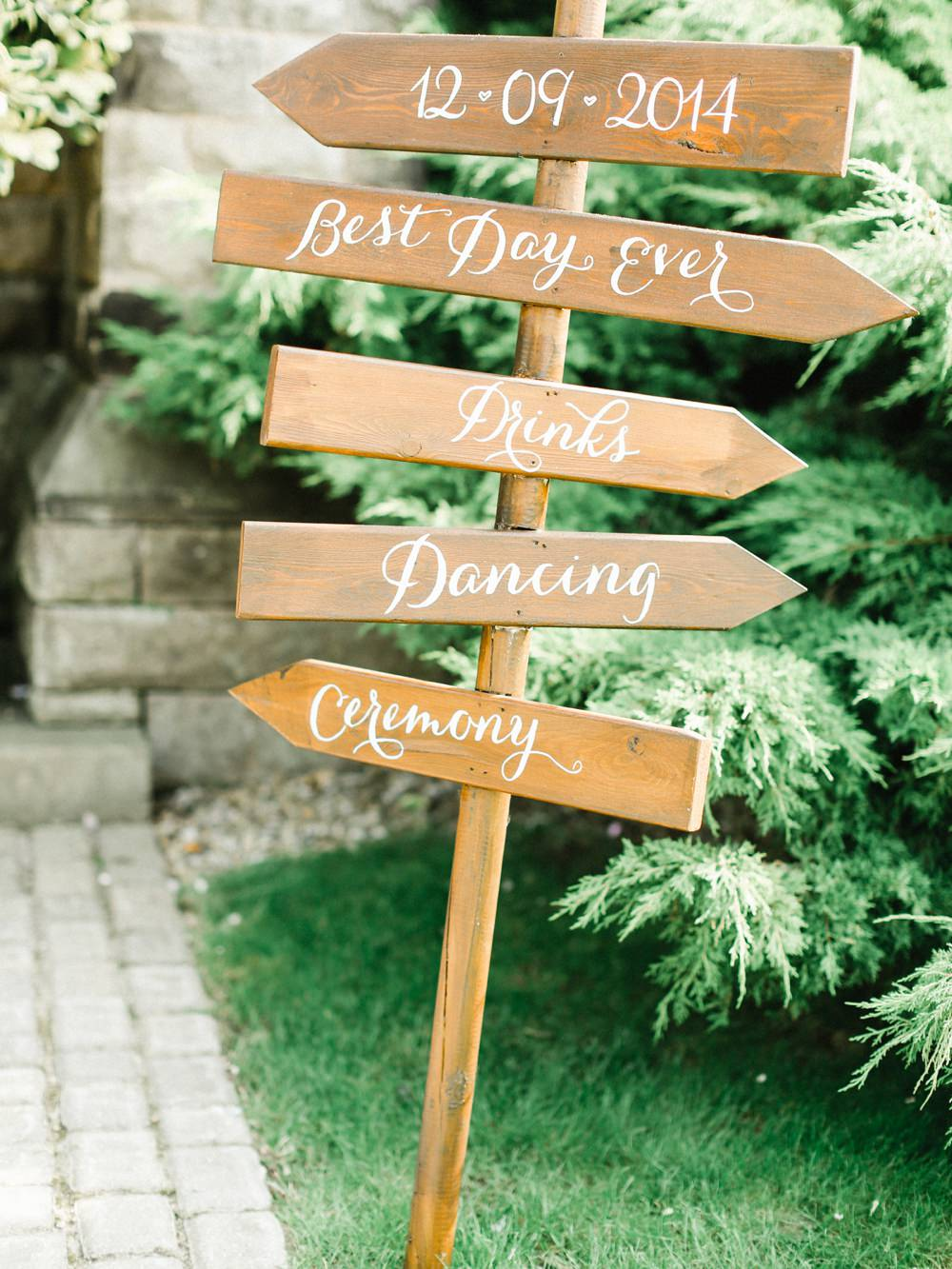 Stylish Helpful Signage For Your Wedding Day Rock My