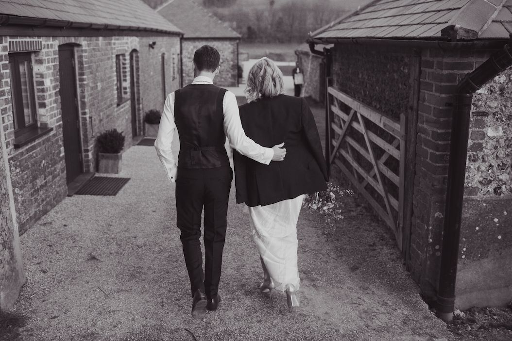 farbridge-barn-wedding-lisa-devlin-140