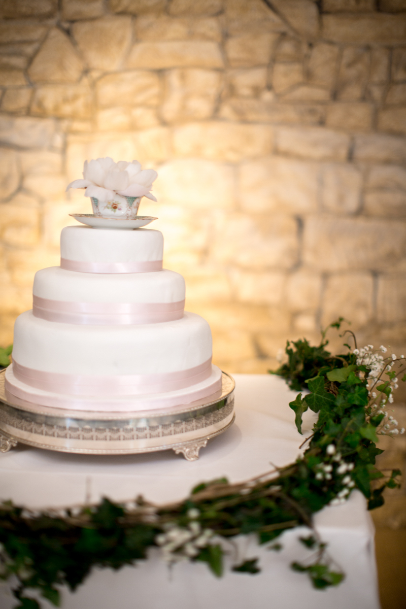 A Pretty Barn Wedding In The Cotswolds At The Great Tythe Barn With ...