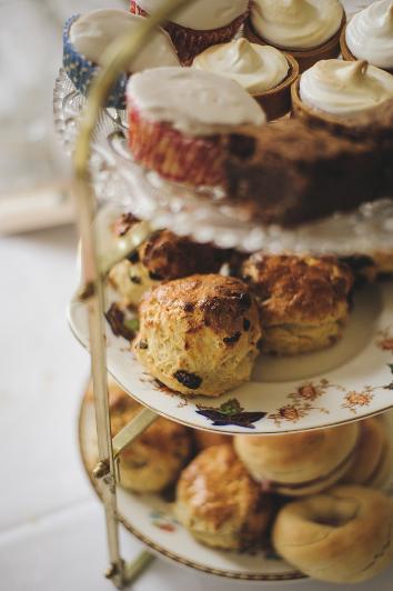 london-wedding-photographer-rik-pennington-59An English country garden tea party wedding with vintage touches at Valentines Mansion. Rachael Simpson shoes and photographs by Rik Pennington