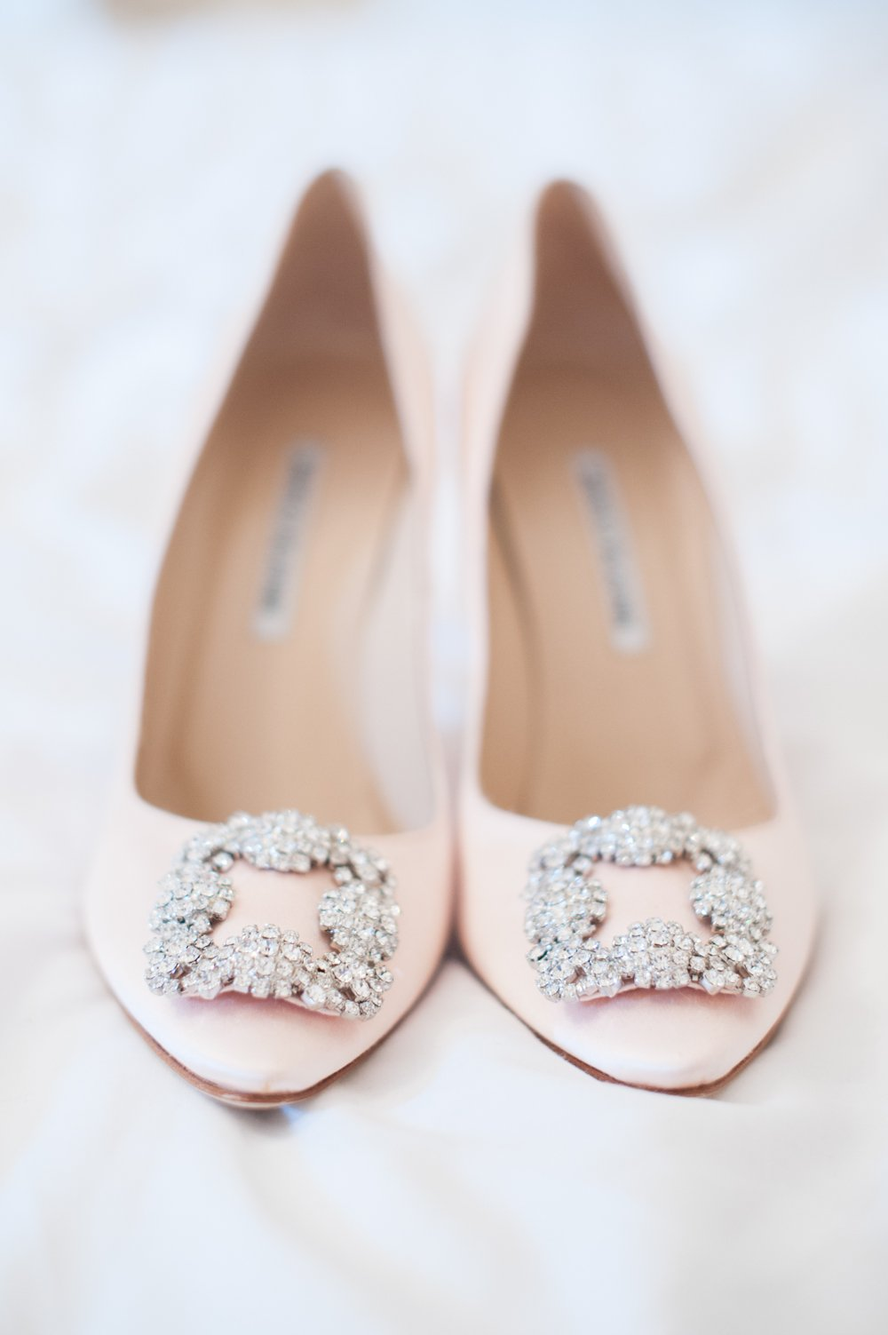 What Color Shoes To Wear With Blush Wedding Dress