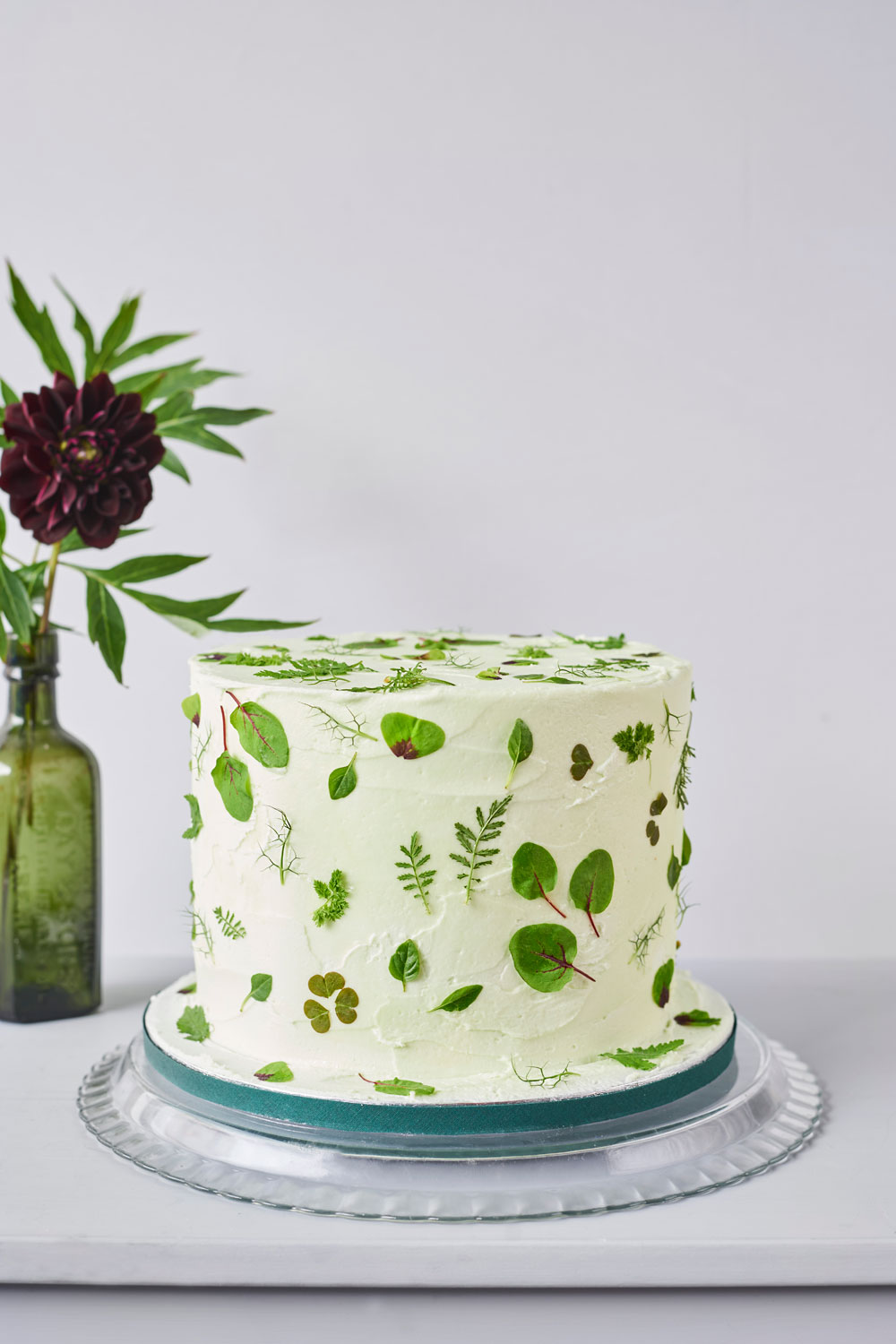 painted wedding cakes uk how to decorate a wedding or celebration cake with edible 18106