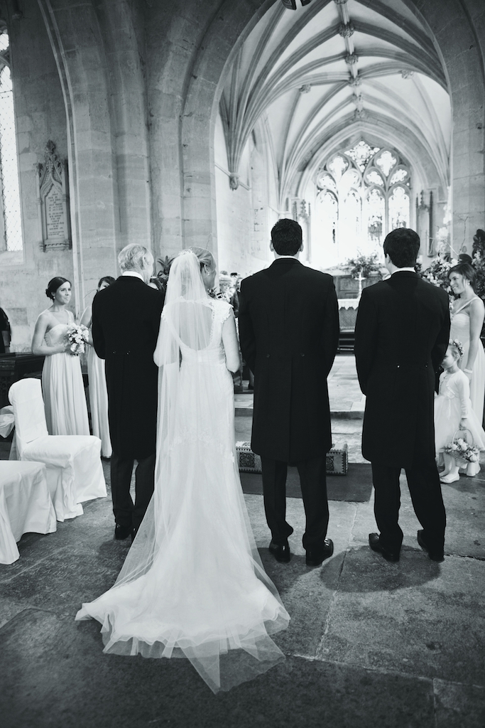 lydia-stamps-photography-wiltshire-salisbury-burcombe-manor-wedding-036