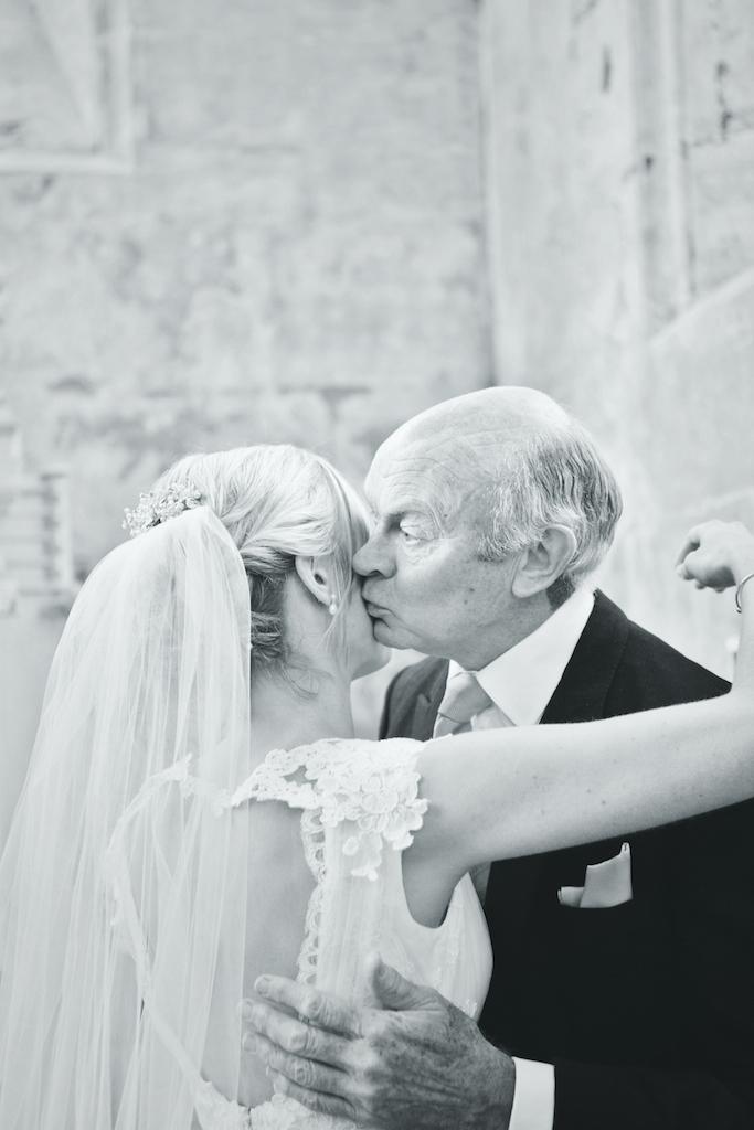 lydia-stamps-photography-wiltshire-salisbury-burcombe-manor-wedding-039