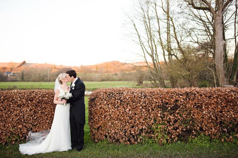 lydia-stamps-photography-wiltshire-salisbury-burcombe-manor-wedding-055