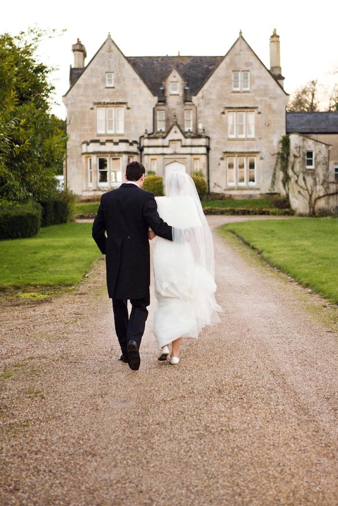 lydia-stamps-photography-wiltshire-salisbury-burcombe-manor-wedding-058