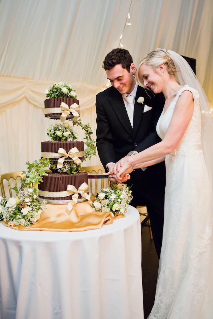 lydia-stamps-photography-wiltshire-salisbury-burcombe-manor-wedding-087