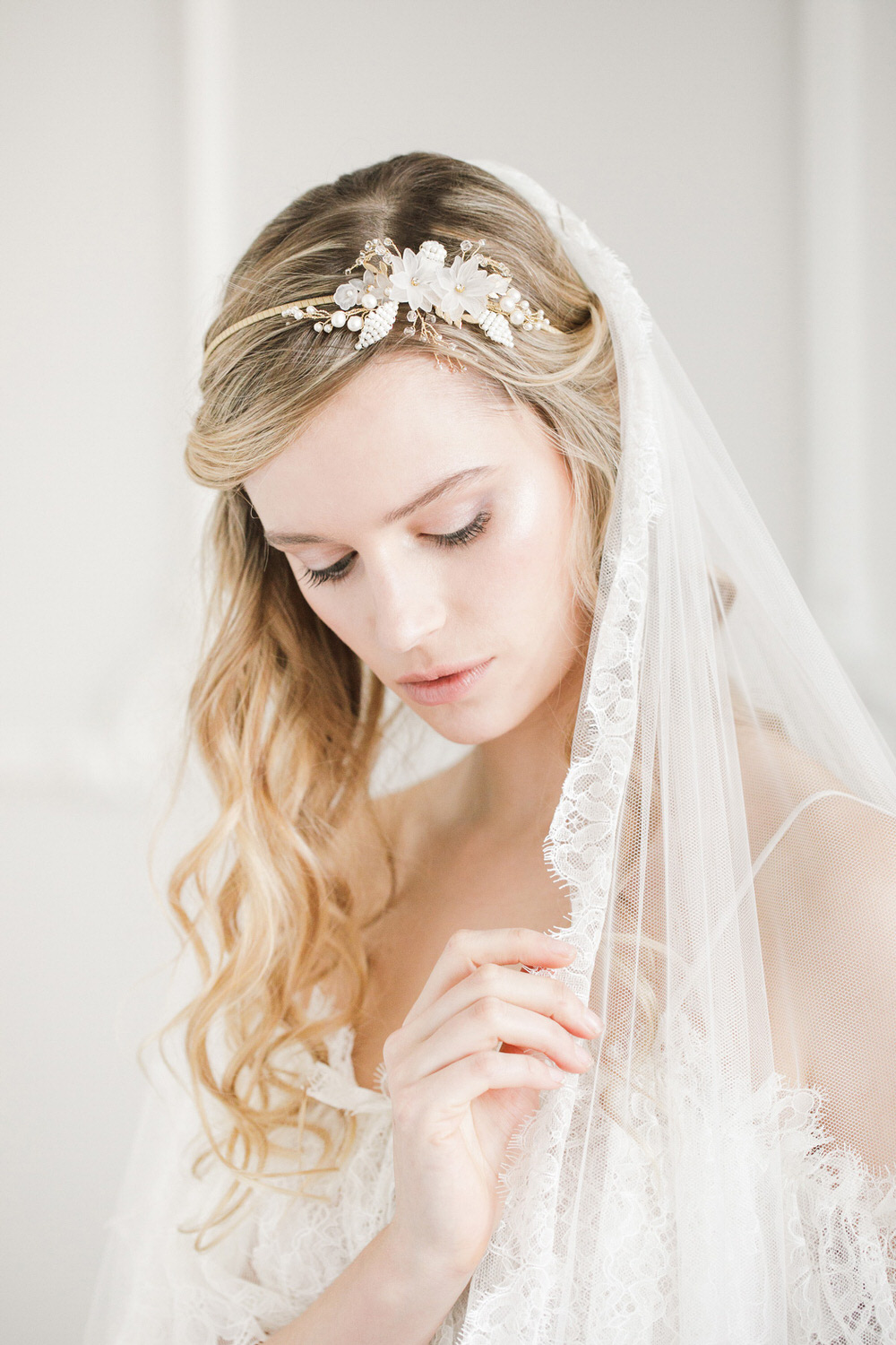 A Guide To Wedding Veils - ROCK MY WEDDING  d7ddb0740d2