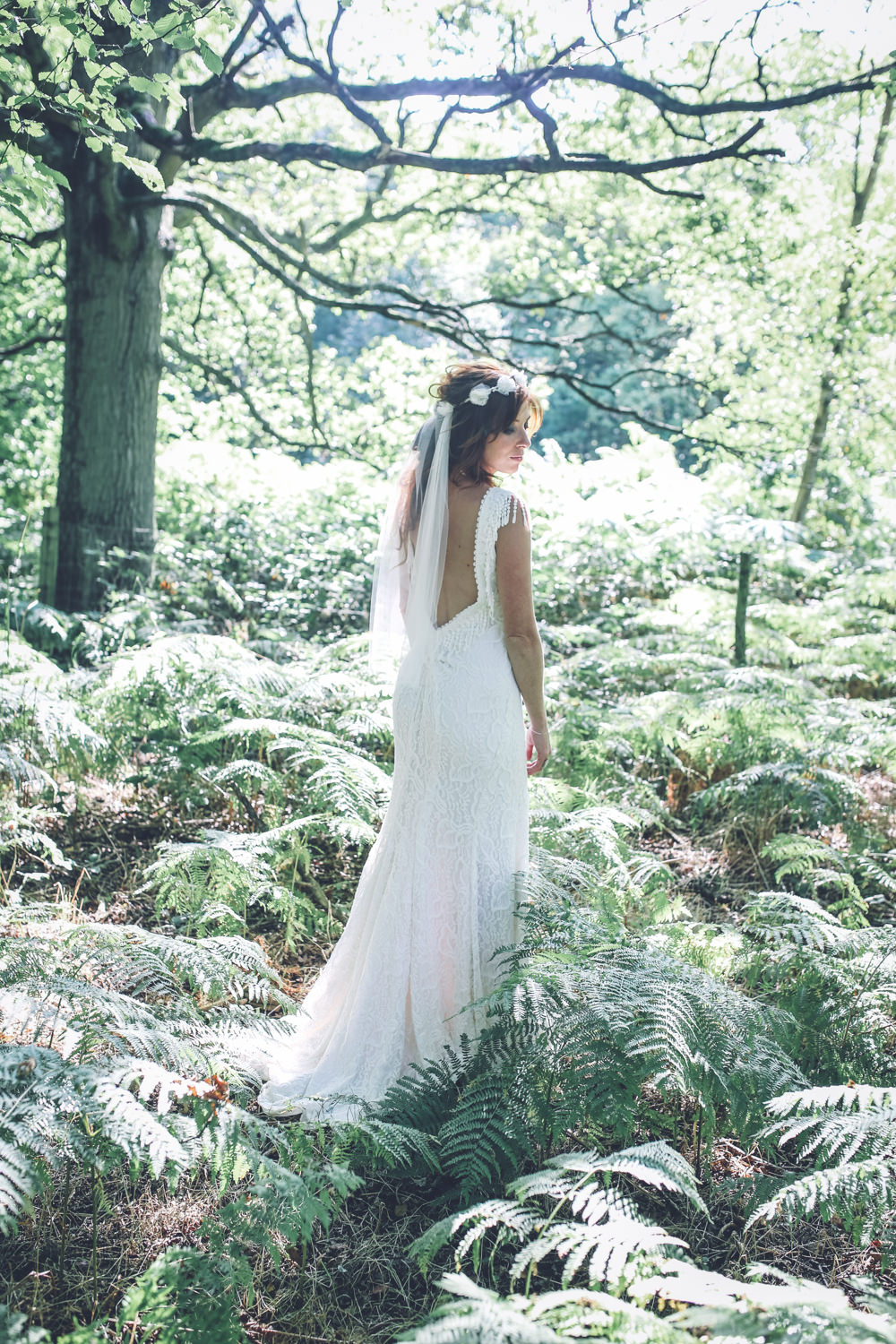 All white bohemian outdoor country wedding in Kent with Bride in ...
