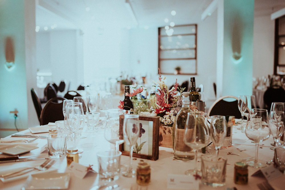 The tetley leeds for a city wedding with botanical inspiration relaxed leeds city wedding with botanical theme junglespirit Gallery