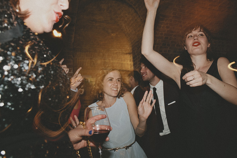 30s Style London Wedding With Bride In Eden By Jenny Packham And Groom In The Kooples Suit