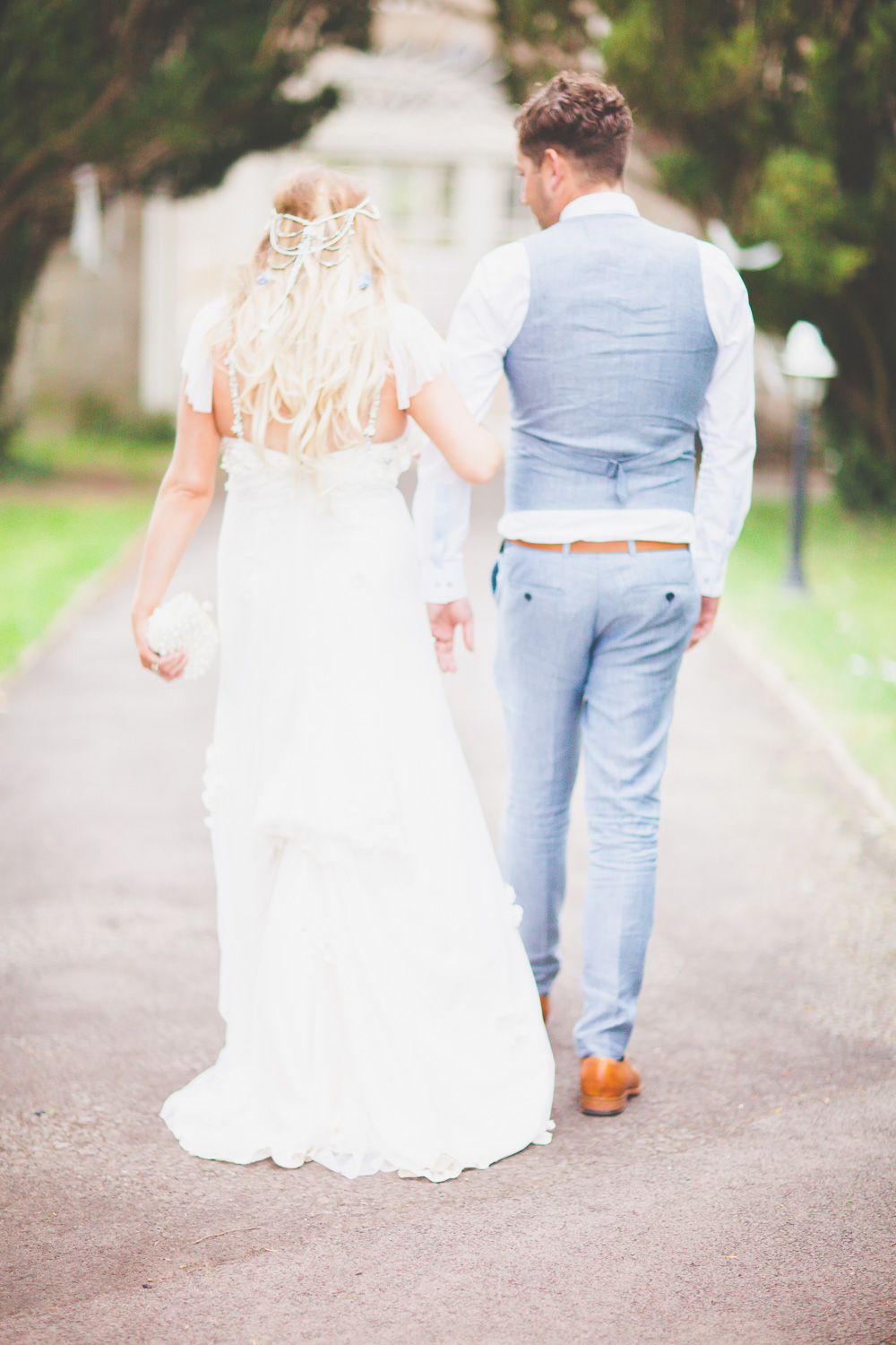 Bride in Vintage Rose Wedding Gown with mis-match pastel Bridesmaid ...