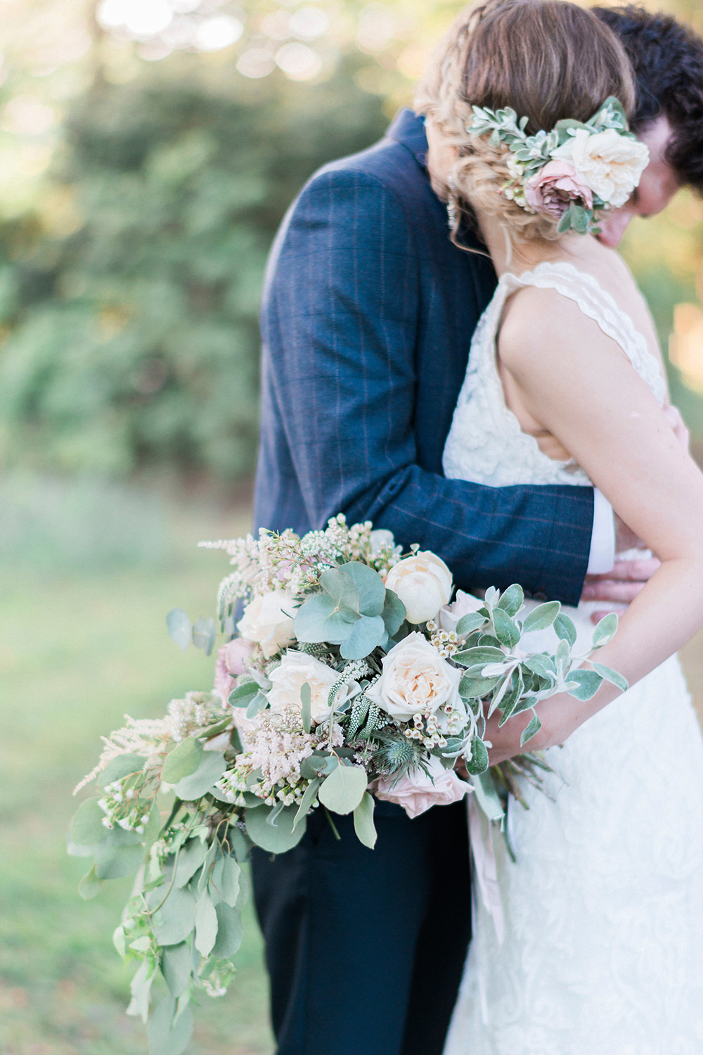 Laura Bradshaw of Tiny Twisst\'s Romantic Pastel Wedding at Prested ...