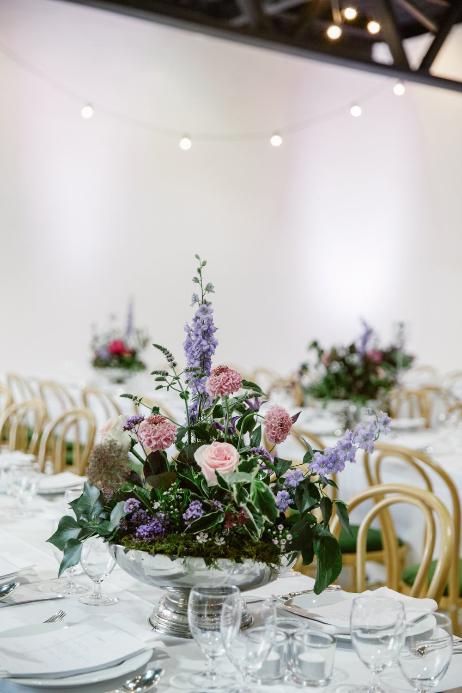 London wedding at hackney town hall alva studios with jenny floral arrangement alva studios london wedding reception natalie j weddings junglespirit Gallery