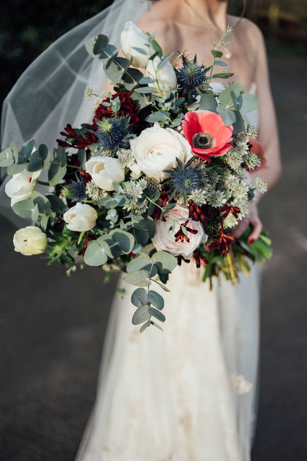 Christmas Wedding Bouquets Uk.Anran Devon Christmas Winter Wedding With Bride In Claire