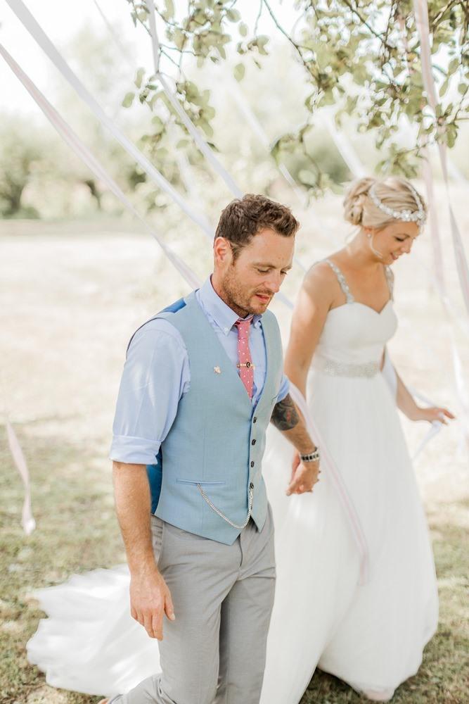 f2b30313fdf4 becomingphill) Barn bröllopsklänningar