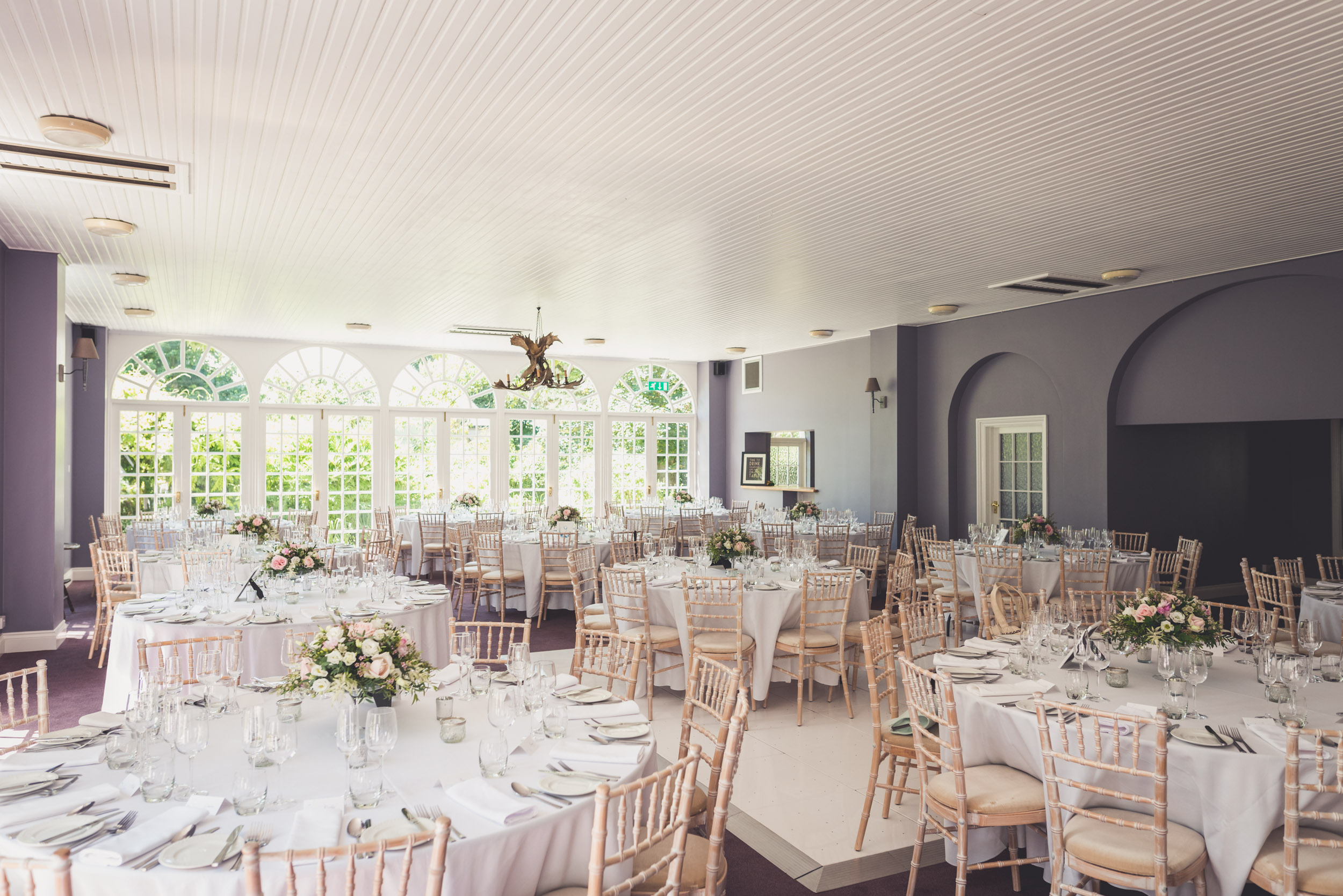 Needle thread bridesmaids dresses elegant country house wedding in elegant wedding decor junglespirit Gallery
