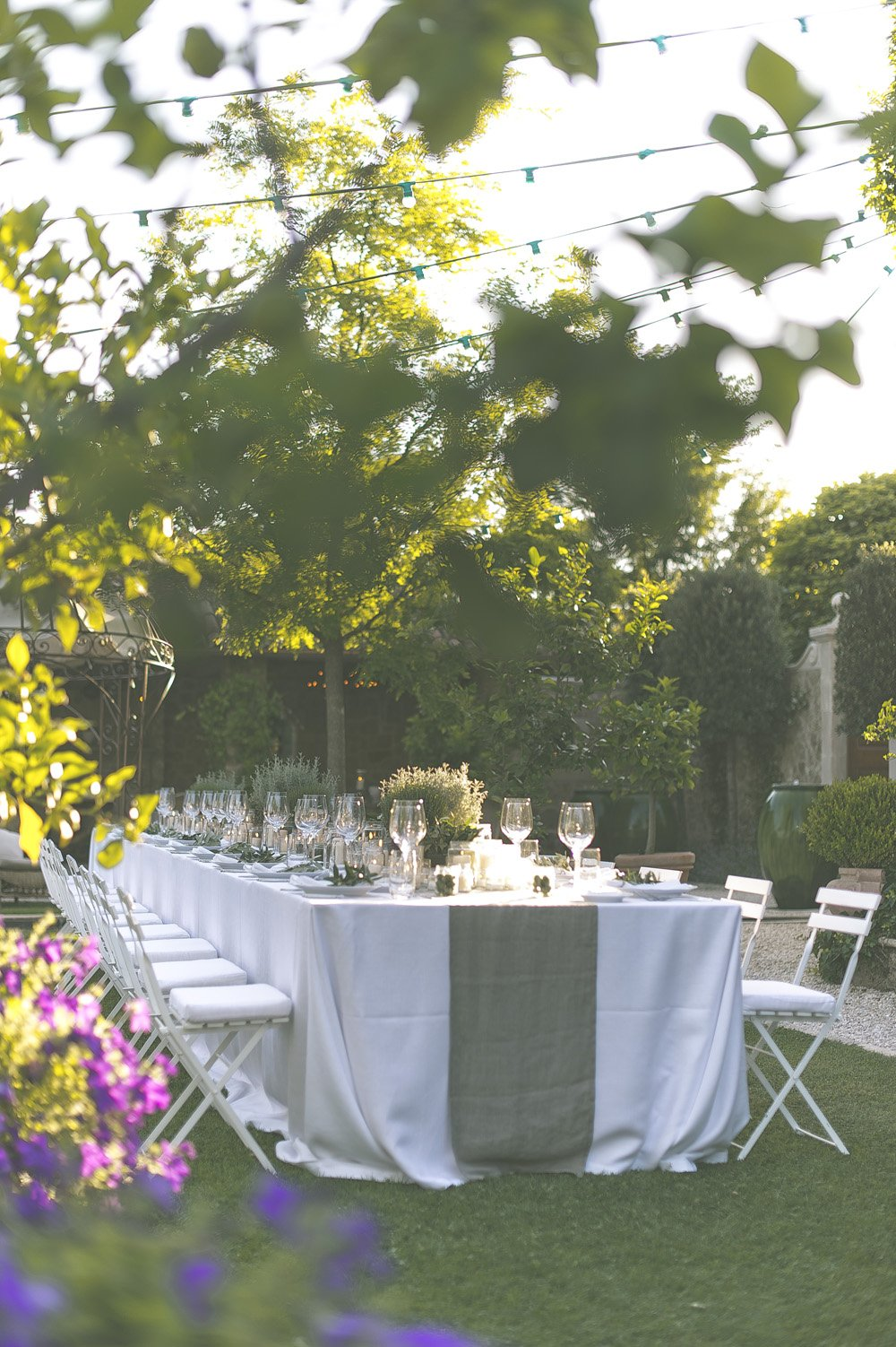 The Perfect Romantic Italian Garden Dinner Party Rock