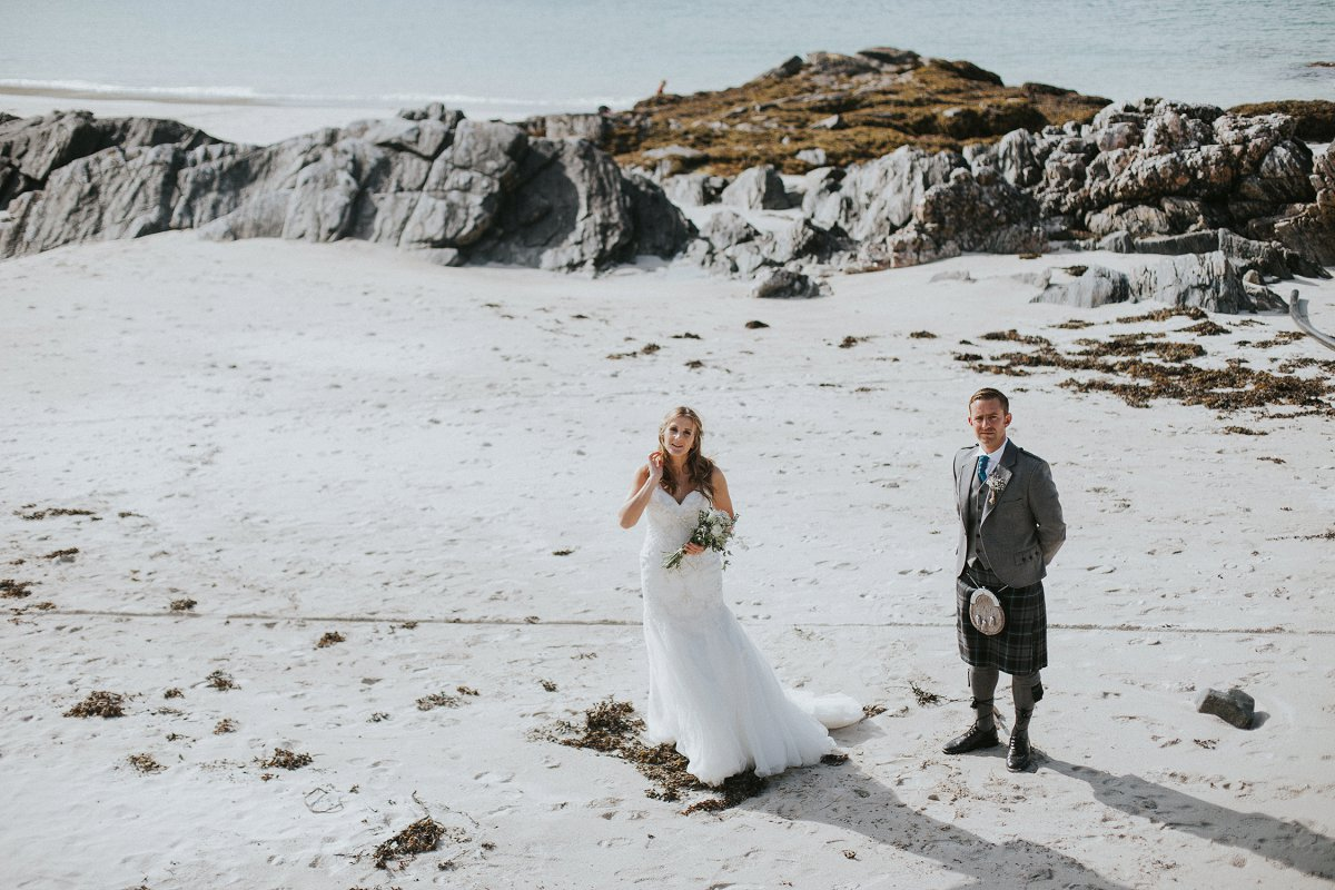 Isle lewis outer hebrides rustic marquee wedding with essense of bride groom isle lewis outer hebrides wedding solutioingenieria Images